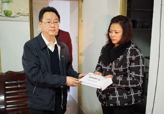 国家禁毒办、中国禁毒基金会慰问牺牲民警张宇家属
